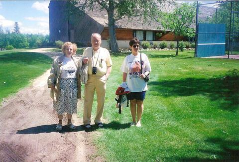 Lilla, Gunni og Anna María á Heklueyju